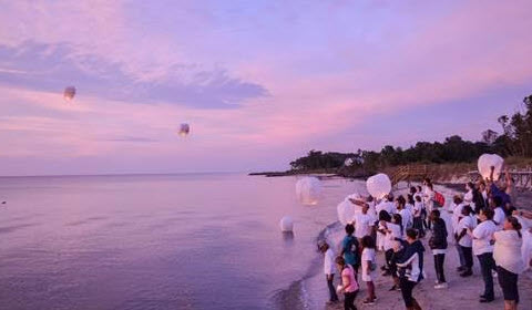 Paper lantern release at the end of the day, Camp Fragile Hearts 2016 (Riverside Photo)